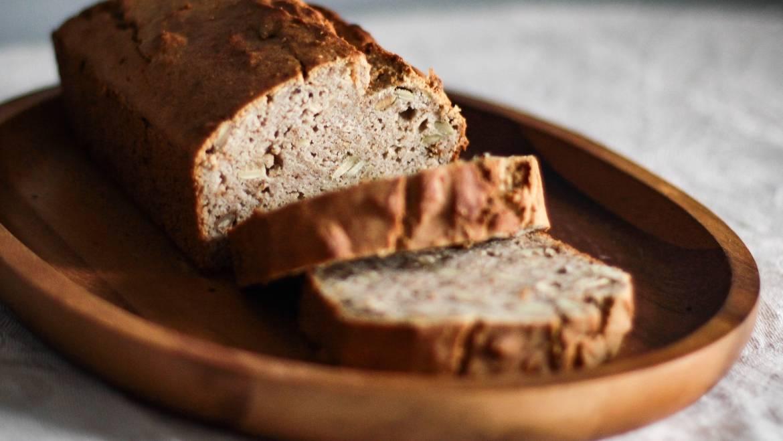 Gezond bananenbrood met weinig suiker en vet